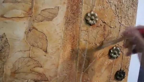 Как делают барельеф на стене своими руками
