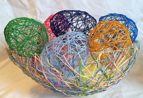 Пасхальные яйца из ниток фото