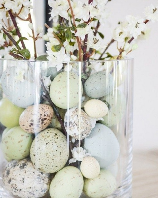 Пасхальная композиция вазочка с яйцами