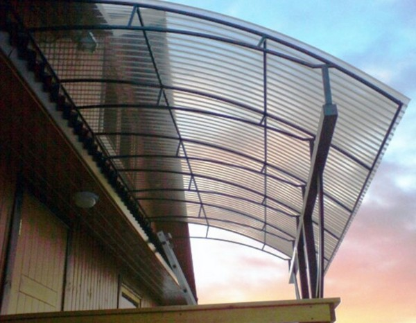 Прозрачный шифер для козырька на балкон